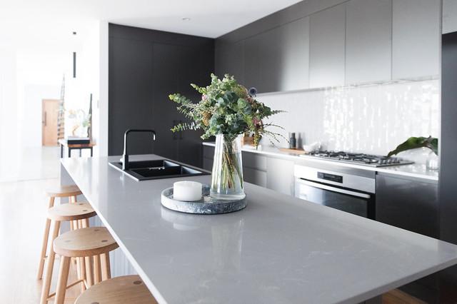 Northside residence moderno-cucina
