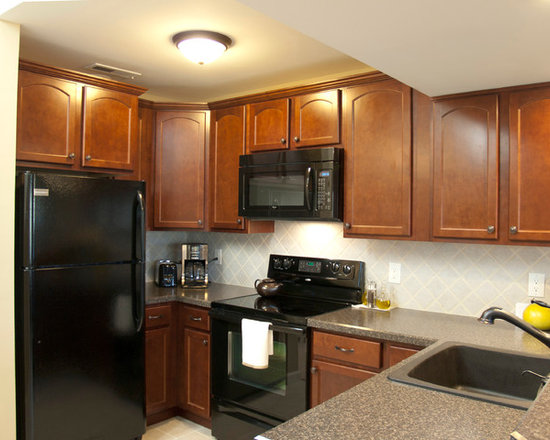 Small U Shaped Kitchen Design Ideas, Remodels & Photos with Black