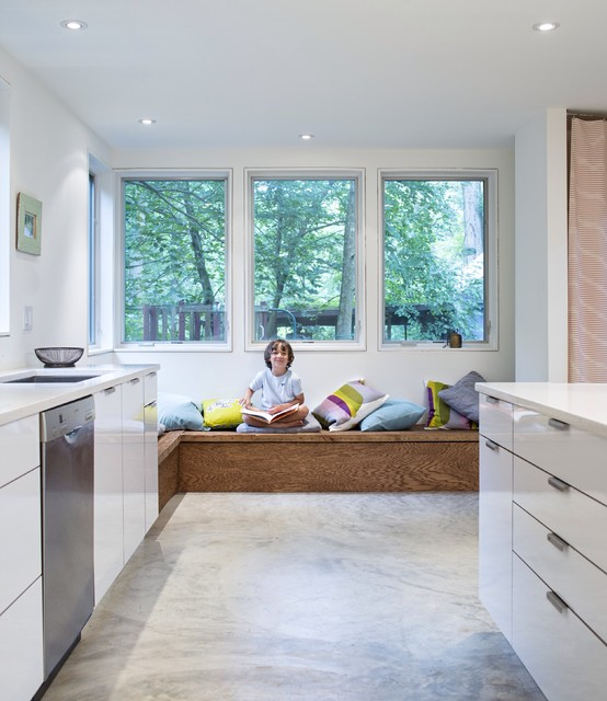 Not-So-Bungalow House contemporary-kitchen