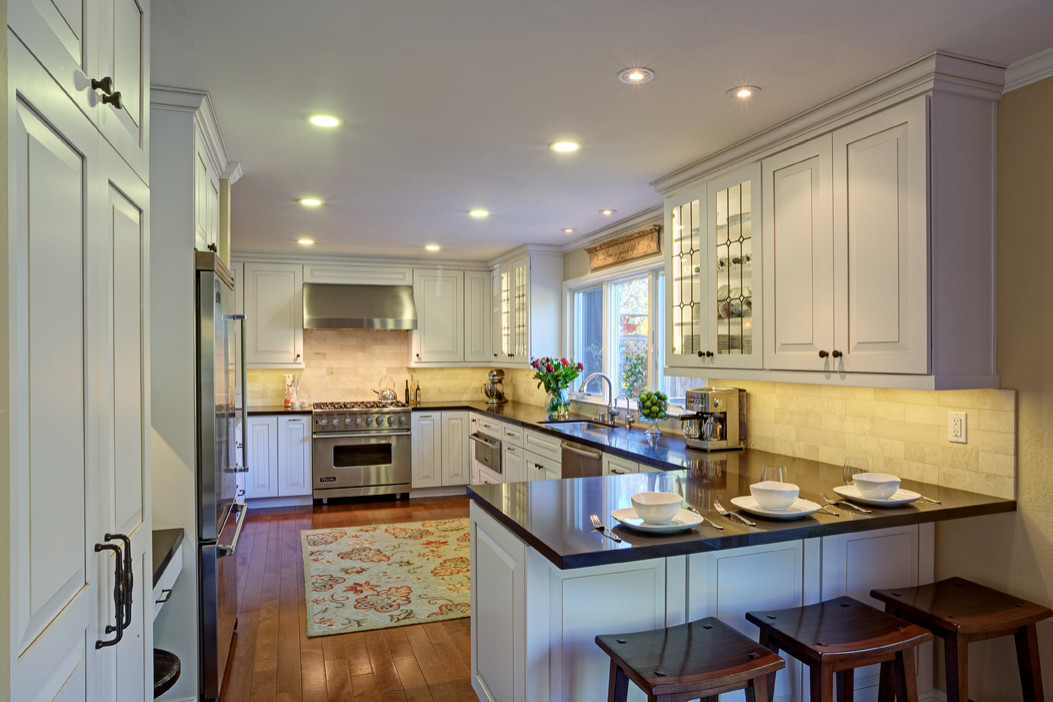 Novato Family/Entertaining Kitchen