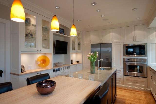 Oak Bay traditional-kitchen