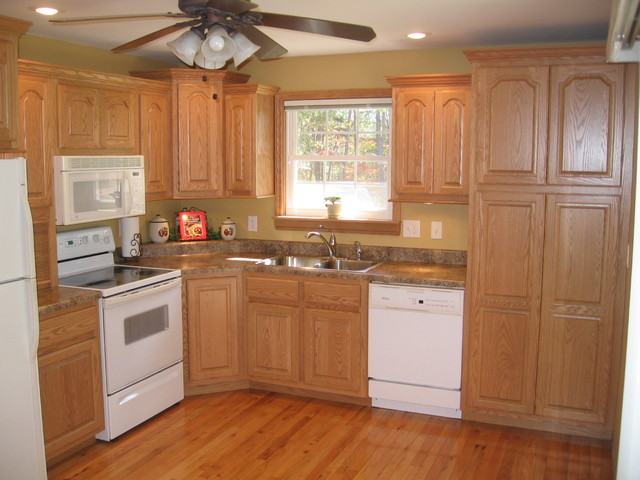 Oak Country Kitchen - Traditional - Kitchen - Nashville - by Procraft Woodworks