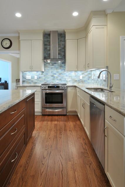 Oak Floors traditional-kitchen