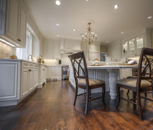 Oak Hills traditional-kitchen