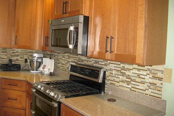 Oak kitchen cabinets dayton door style cliqstudios for Kitchen remodel oak cabinets
