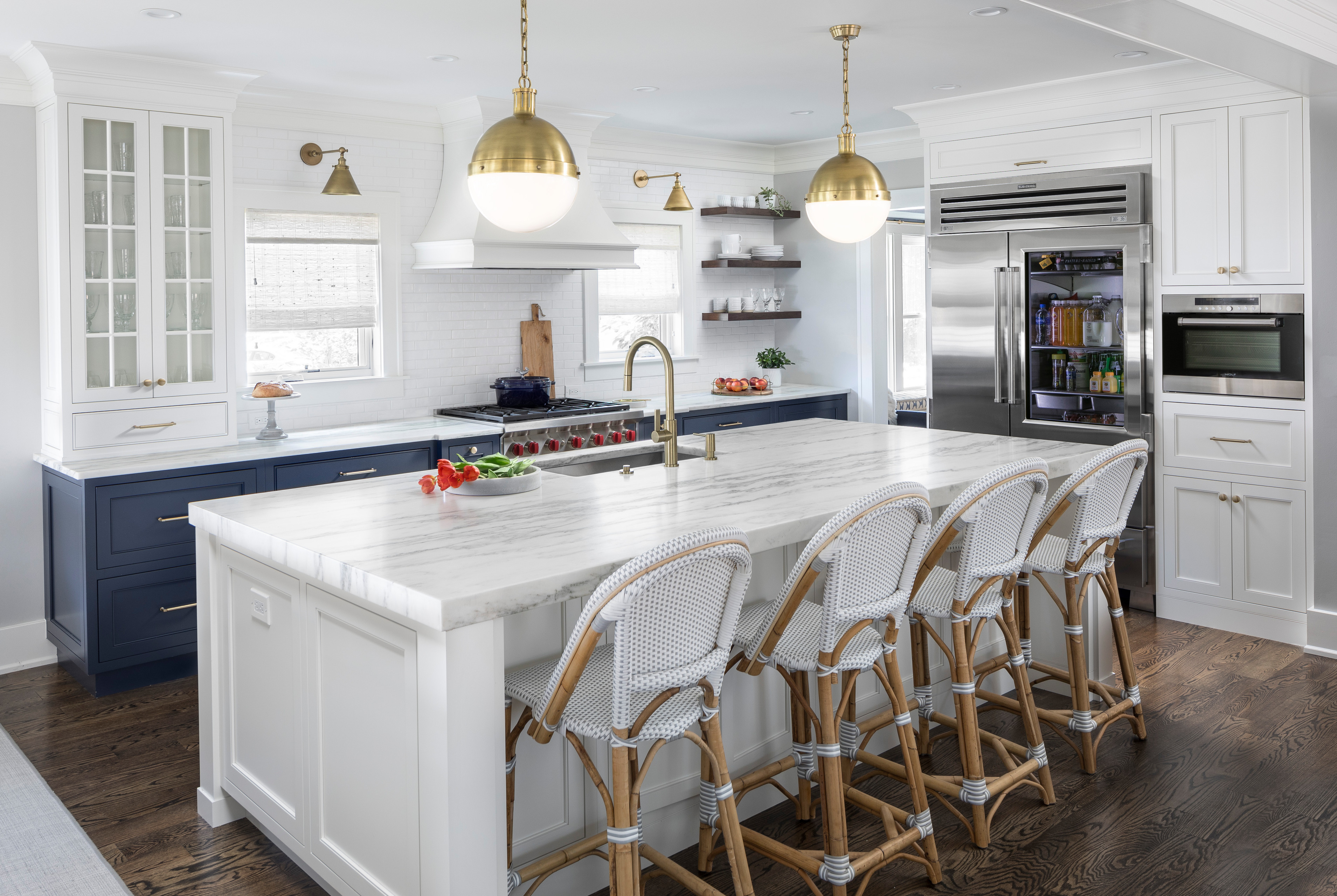 75 Beautiful Kitchen With White Backsplash And White Countertops Pictures Ideas November 2020 Houzz