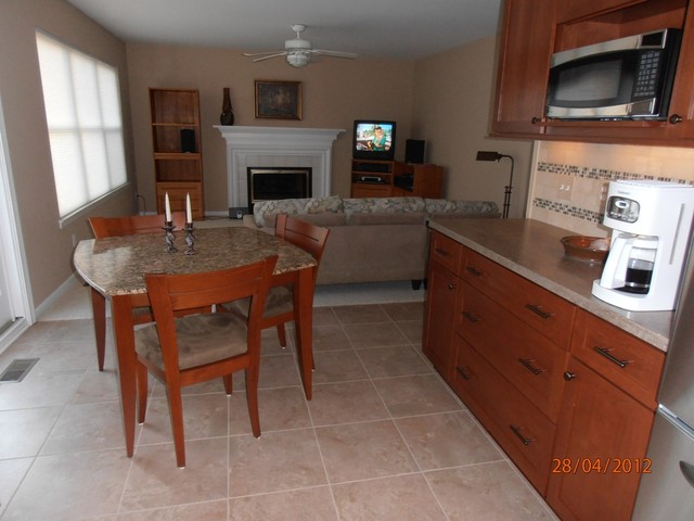 Oakland Twp. Dura Kitchen traditional-kitchen