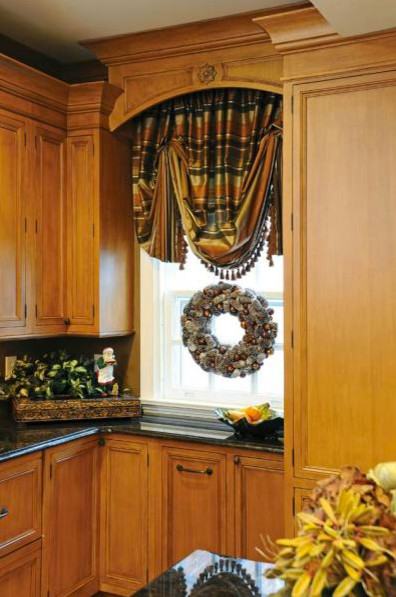 Oakwood Home Decked Out For The Holidays traditional-kitchen