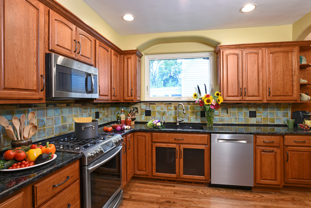 Oakwood Hull Tile Kitchen - Traditional - Kitchen - Other - by Remodeling Designs, Inc.