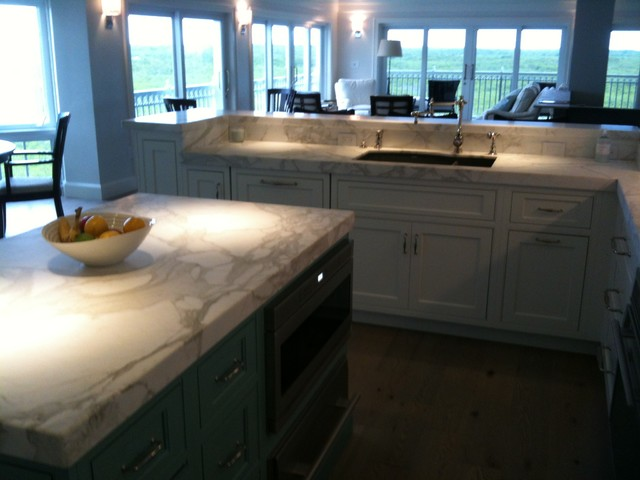 Ocean Reef Club, Two Tone Kitchen traditional-kitchen