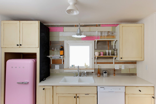 10 creative kitchen backsplash ideas for What kind of paint to use on kitchen cabinets for print custom stickers