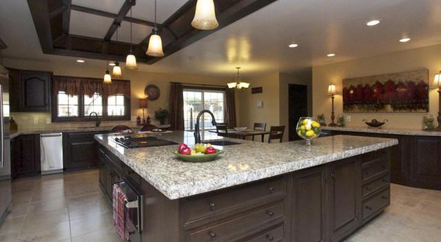 Oklahoma Estate traditional-kitchen