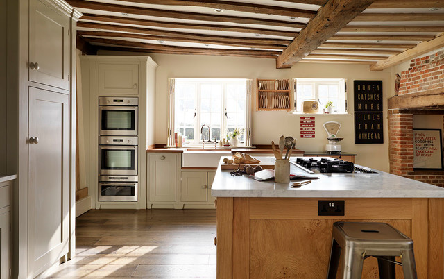 Old Farmhouse Country Kitchen Buckinghamshire