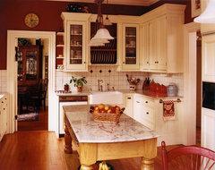 Old Farmhouse traditional-kitchen