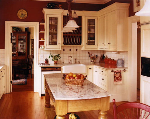 Old Farmhouse traditional kitchen