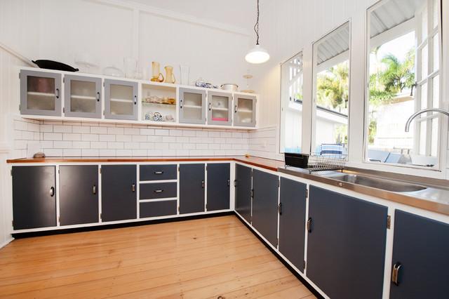 Old kitchen restoration for Kitchen ideas for queenslanders