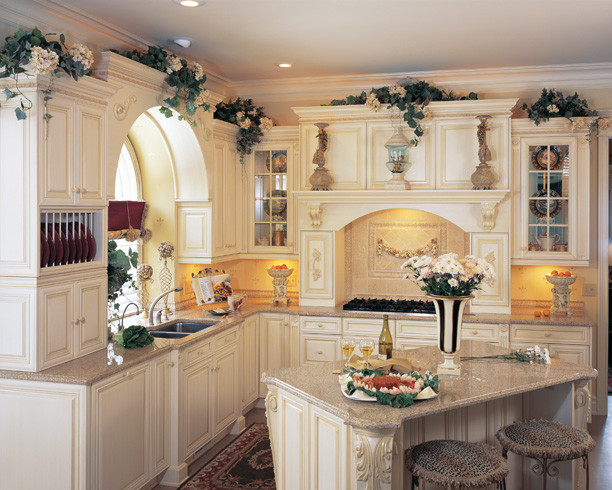 Old-World Kitchen Designs - Mediterranean - Kitchen - Denver - by Kitchens by Wedgewood