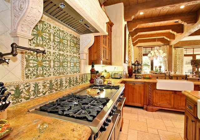 Old World Kitchen Functional Luxury Traditional Kitchen Old World Kitchen Design
