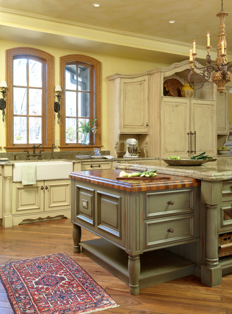Old World Rustic Traditional Kitchen St Louis By Glen Alspaugh Kitchens And Baths