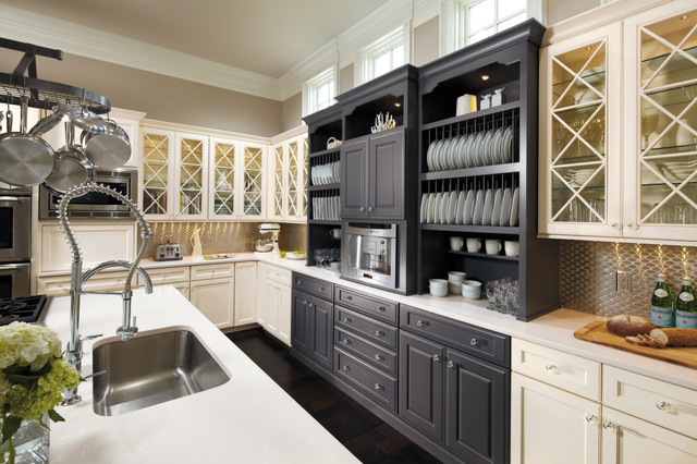 oyster color kitchen cabinets omega cabinetry williamsburg maple oyster and pacific 24216