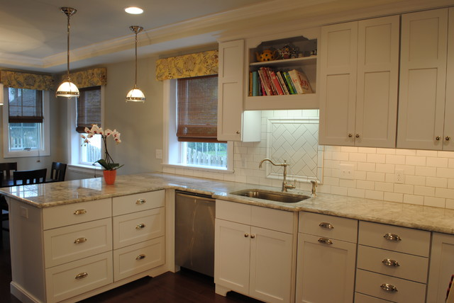 Omega Dynasty Puritan Maple Pure White - Traditional - Kitchen ...
