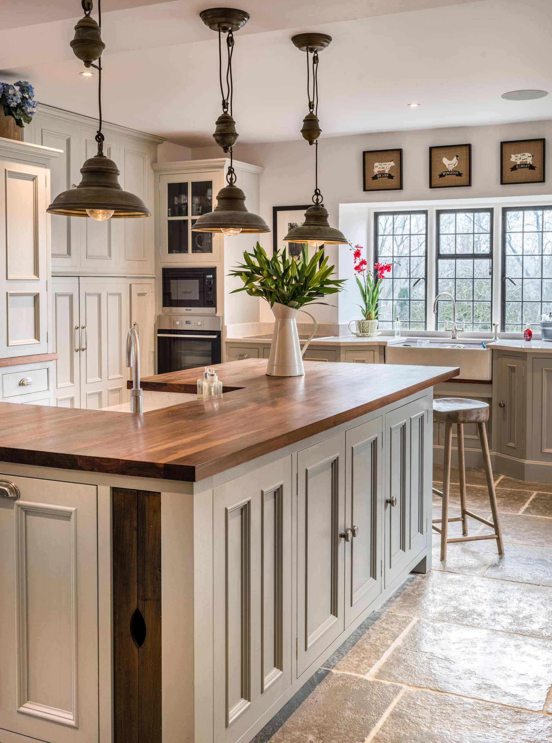 75 Beautiful Farmhouse Kitchen With An Island Pictures Ideas January 2021 Houzz