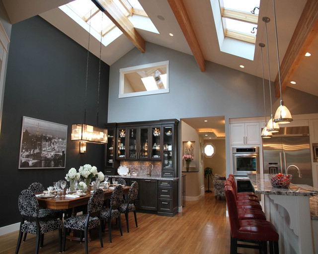 Dinning Room Kitchen With Vaulted Ceiling And Skyroof