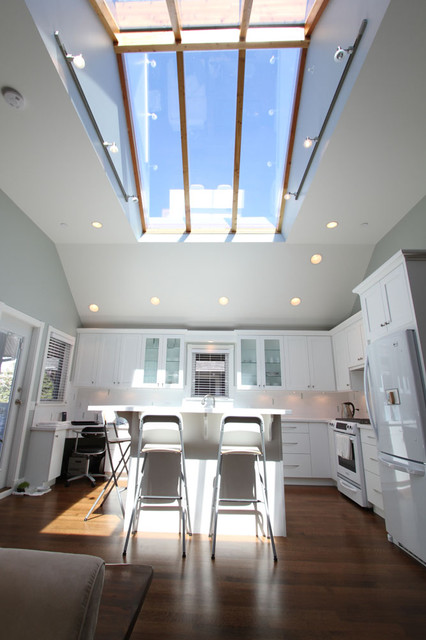 Open Concept Kitchen With Sky Roof Traditional Kitchen