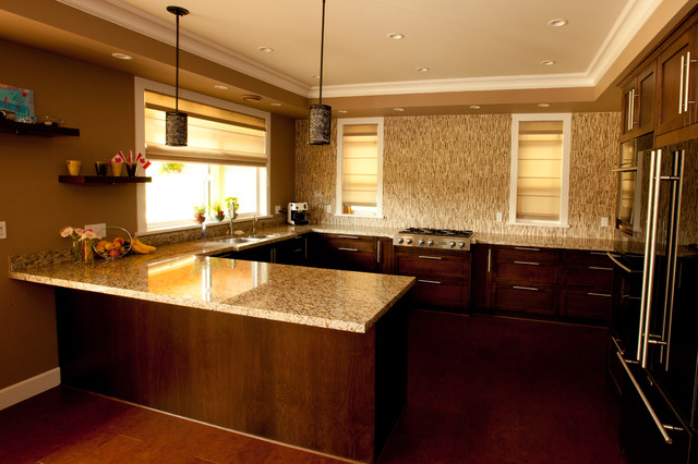 Open Concept No Upper Cabinet U Shape Kitchen