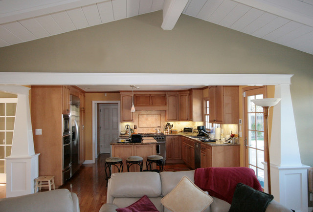 Open Kitchen / Family room traditional-kitchen