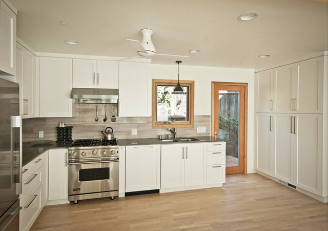 open kitchen + pantry - Beach Style - Kitchen - orange county - by ...