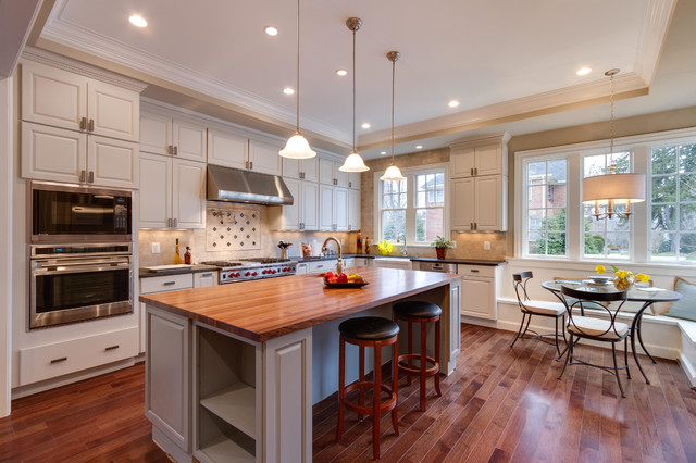 Open Kitchen With Large Island Workstation Traditional