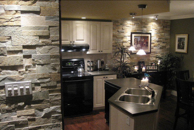 Open Kitchen With Natural Stone Traditional
