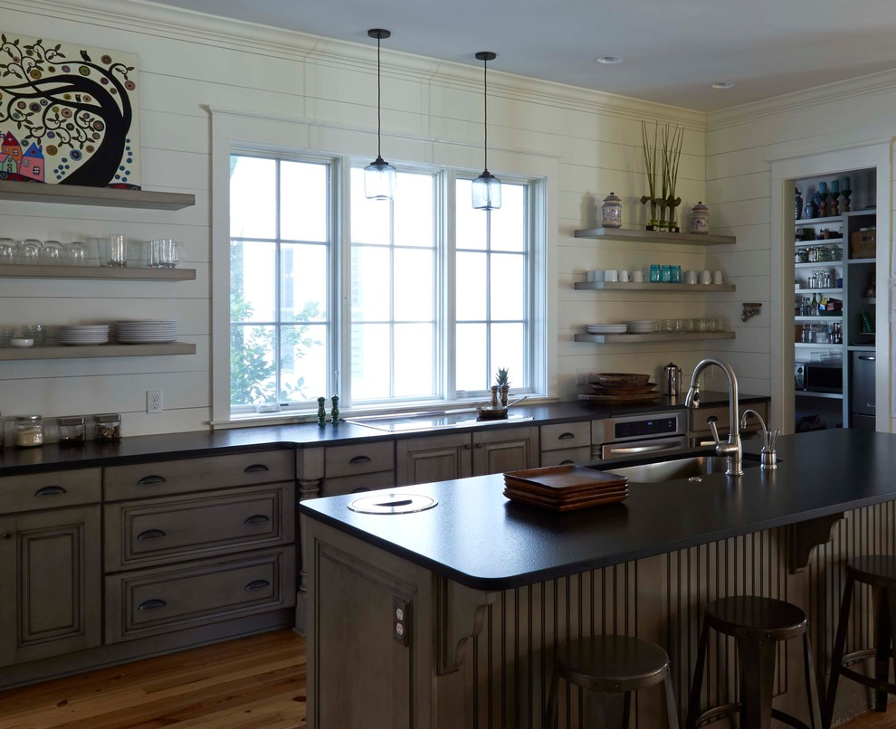 Open Low Country Kitchen - Beach Style - Kitchen ...