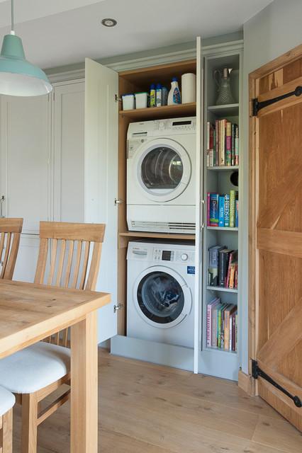 Open plan family diner for Open laundry room ideas