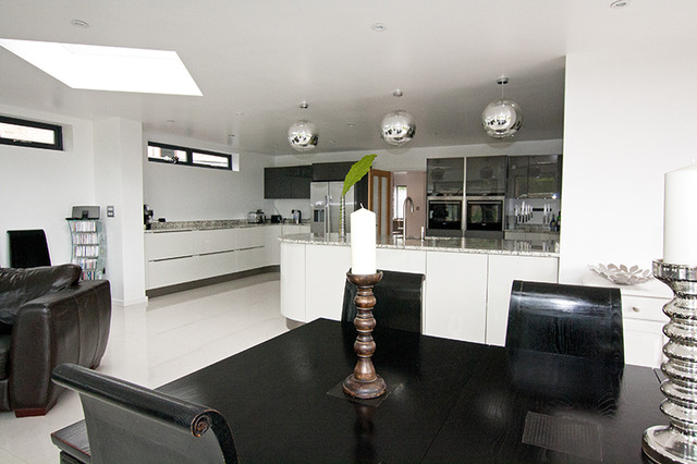 Open plan kitchen by lwk kitchens london modern Contemporary open plan kitchen
