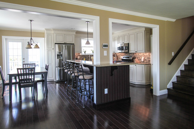 Open Spaced Kitchen traditional-kitchen