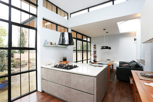 Open Plan Kitchen with Peninsula