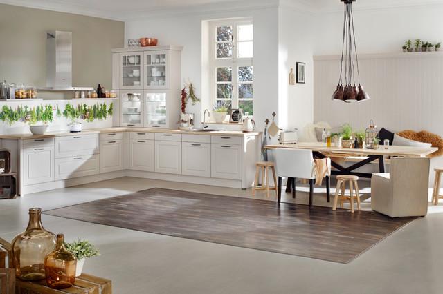 Open White Vintage Kitchen Klassisch Kuche Stuttgart Von Sea Group Germany Houzz
