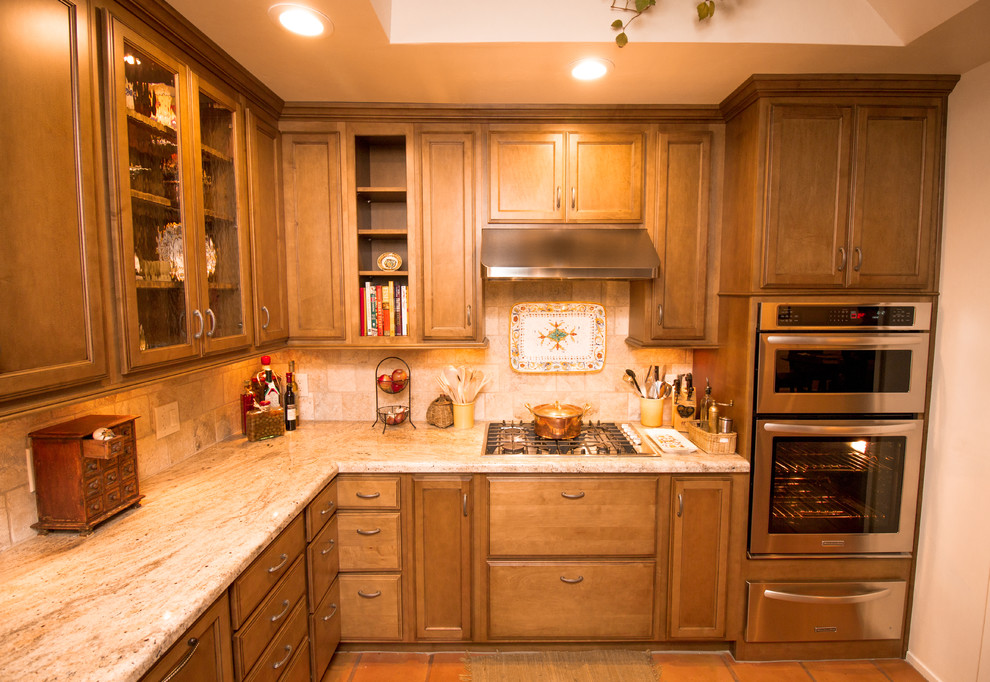 Oregano Chocolate Golden Ivory Traditional Kitchen Other By Blue River Cabinetry Bath Houzz
