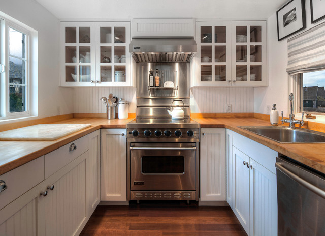 kitchen sinks and cabinets houzz tour charming cottage style on the oregon coast 6054