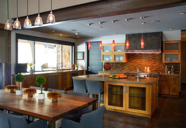 Oregon Ranch rustic-kitchen