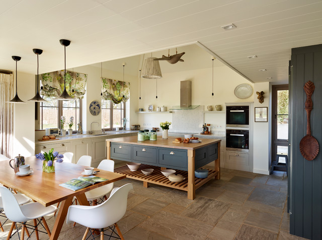 Orford a classic country kitchen with coastal for Country kitchen inspiration