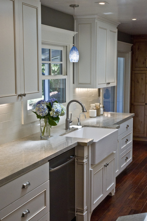 Nice Make It Work: Kitchen Sink Lighting