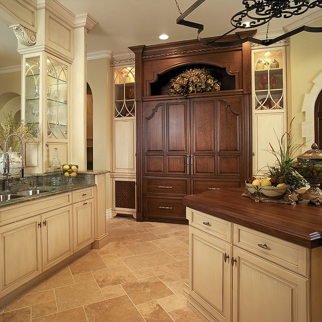 Orlando mediterranean kitchen other metro by busby for Kitchen cabinets orlando