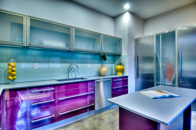 Our first project in los angeles ca contemporary for Contemporary kitchen cabinets los angeles