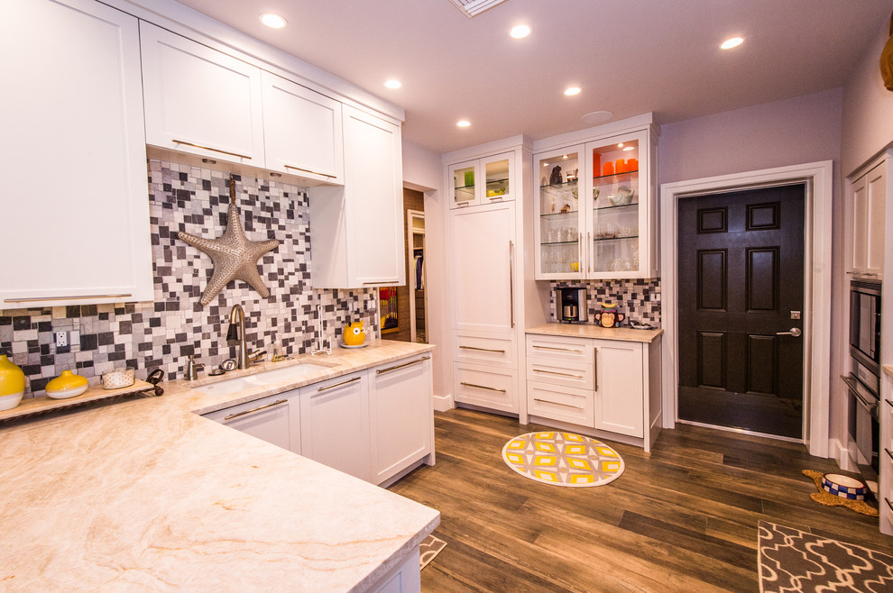 Inspiration for a craftsman kitchen remodel in Miami