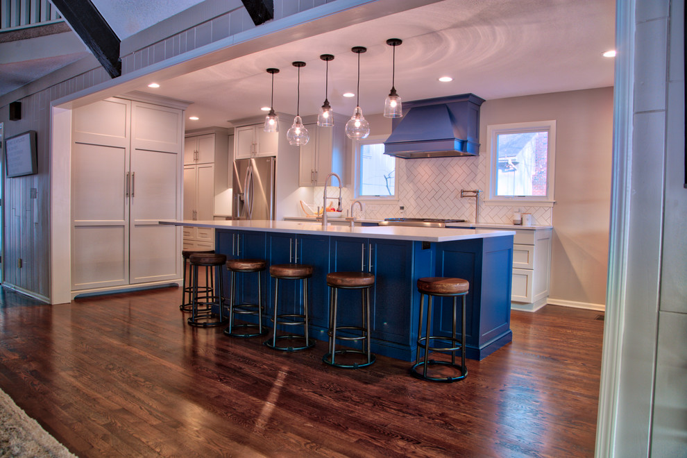 Example of a transitional kitchen design in Kansas City