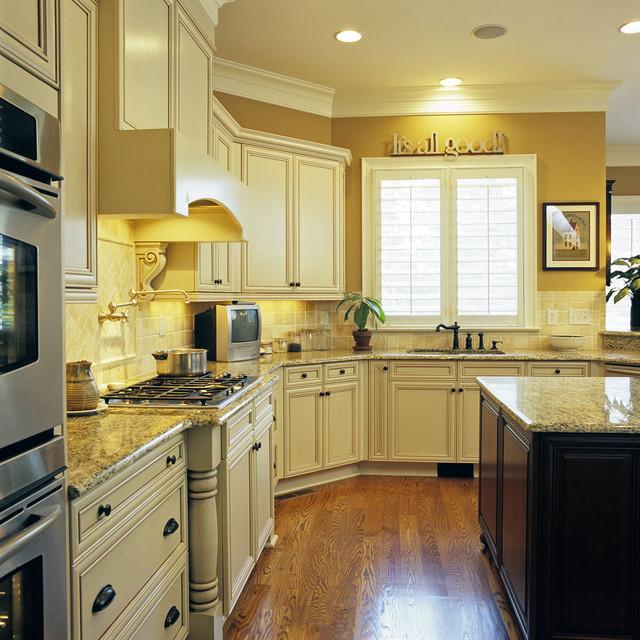 Overlook traditional-kitchen