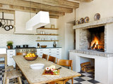eclectic kitchen 12 Rustic Touches That Add Warmth to a Kitchen (13 photos)